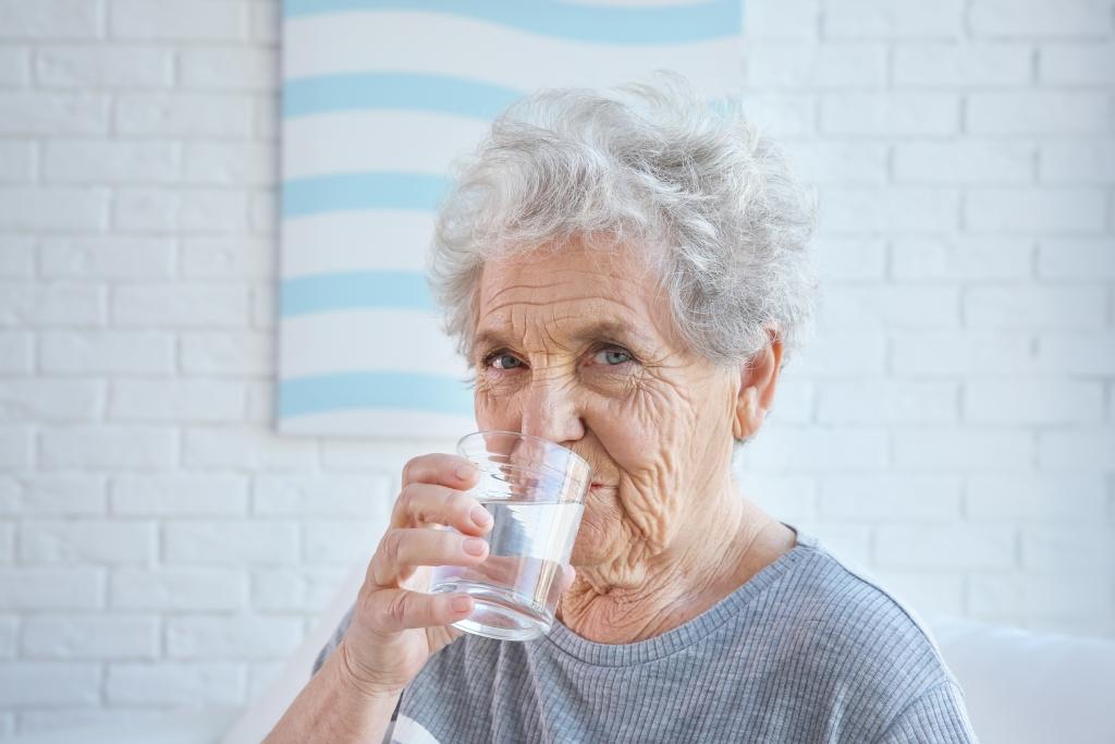 nawodnienie seniorów