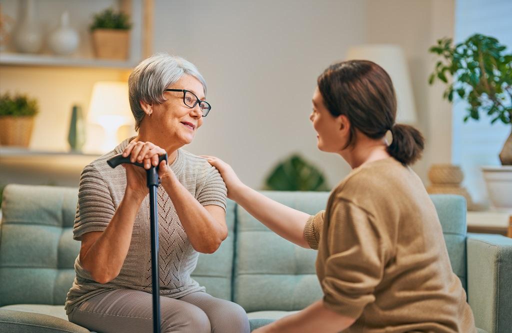 Opieka nad seniorem - empatia, wrażliwość