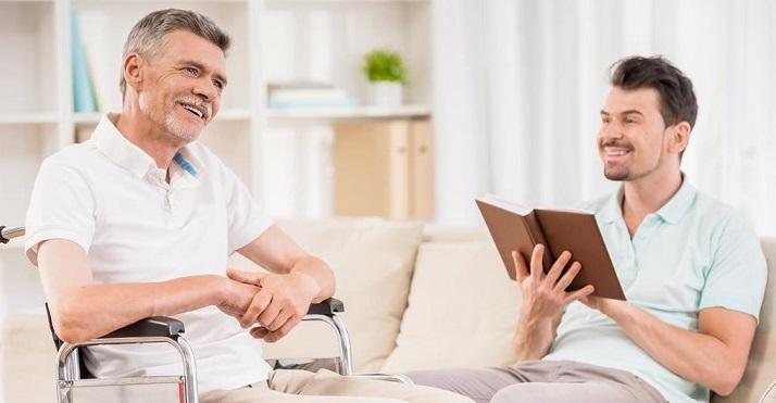Pomysły na spędzanie wolnego czasu z seniorem